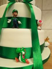 Wedding cake by TheCakeDiary.com